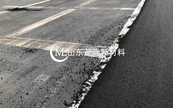 《绵阳科技城项目》土工格栅、防裂贴施工