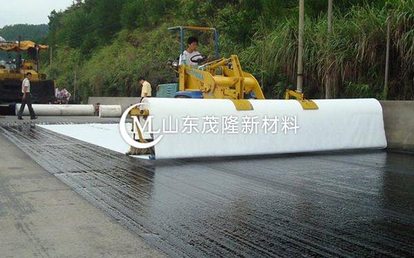 《高密市政道路》土工布、聚酯玻纤布施工