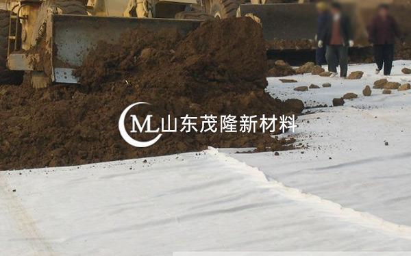 《齐齐哈尔垃圾填埋场》土工布、土工膜施工