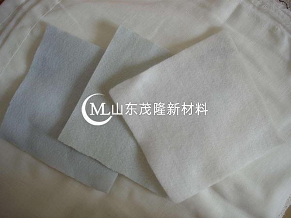 其实土工膜属于土工布的一种