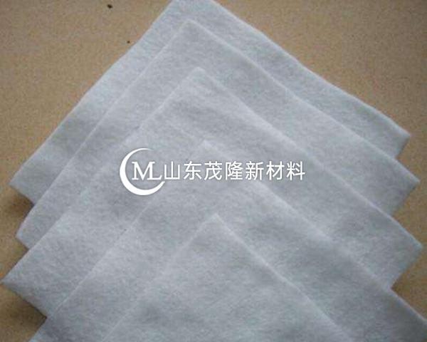土工布在150℃的温度下不会软化和开裂