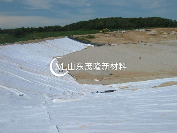 土工布孔径测试方法比较分析  第1张