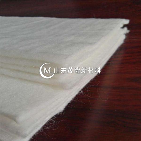 聚酯纺粘针刺土工布导水性良好