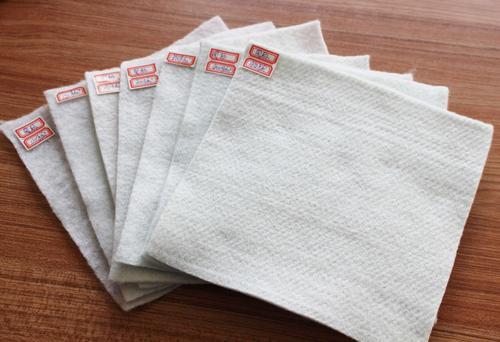 土工布常规宽度及接缝处理