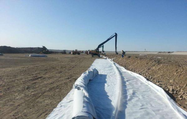 土工布的干湿状态对粘聚力与摩擦角的影响