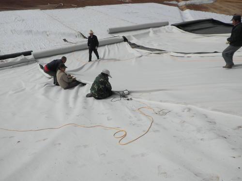 土工布、土工格栅能够有效的分散地基承载力